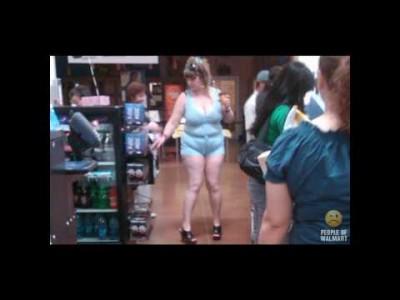"""Lustige """"Sexy Supermarkt Menschen"""" im WalMart"""