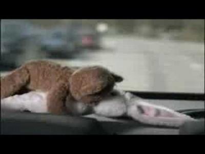 Lustige Werbung mit poppenden Bär und Hase von Blaupunkt