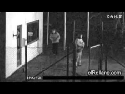 Dummer Einbruch Fail – Einbrecher Selbst-K.O.