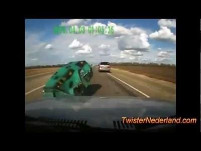 Verrückter Verkehr in Russland und extreme Autounfälle