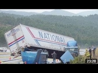 Extreme, spektakuläre und schwere LKW Unfälle
